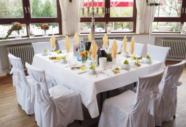 wedding-table-1174154_1920